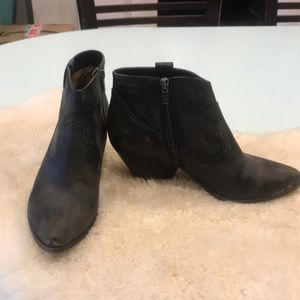 Frye Reina boots, distressed black, 9.